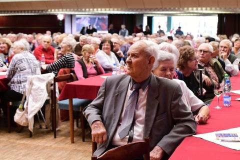 Pavlína Filipovská zpívala litoměřickým seniorům