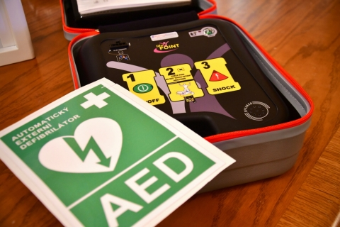 Na městském úřadu budou k dispozici automatické defibrilátory